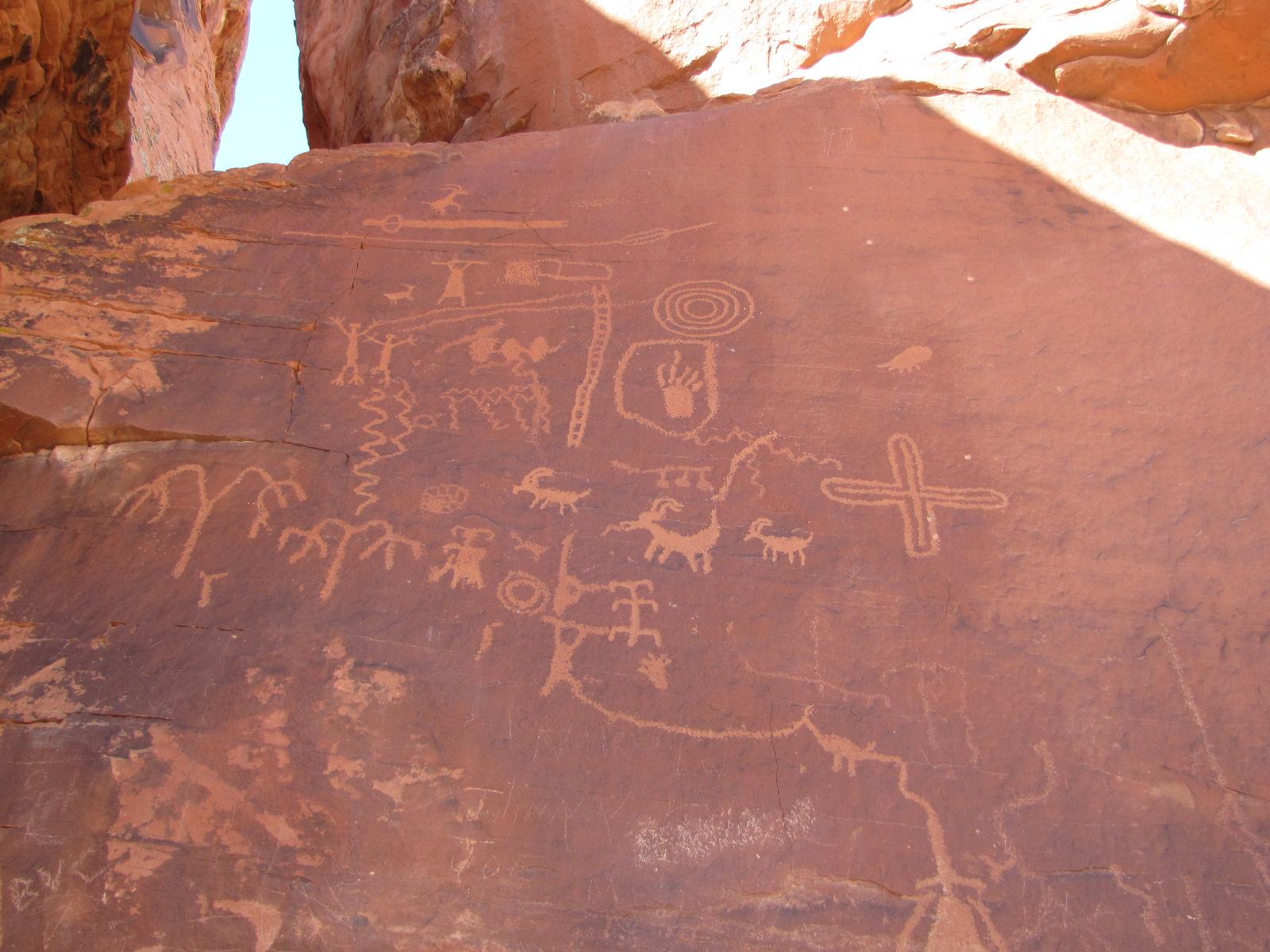 ptéroglyphes vieux de 4000 ans, vallée du feu