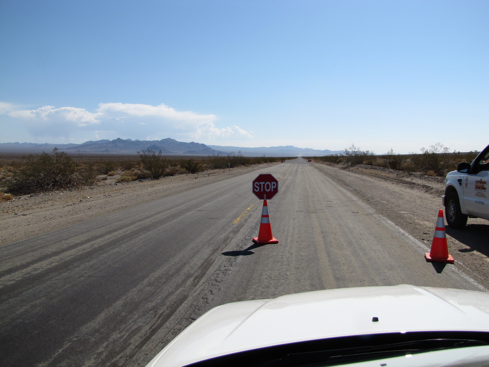 Panneau Stop sur l'interstate