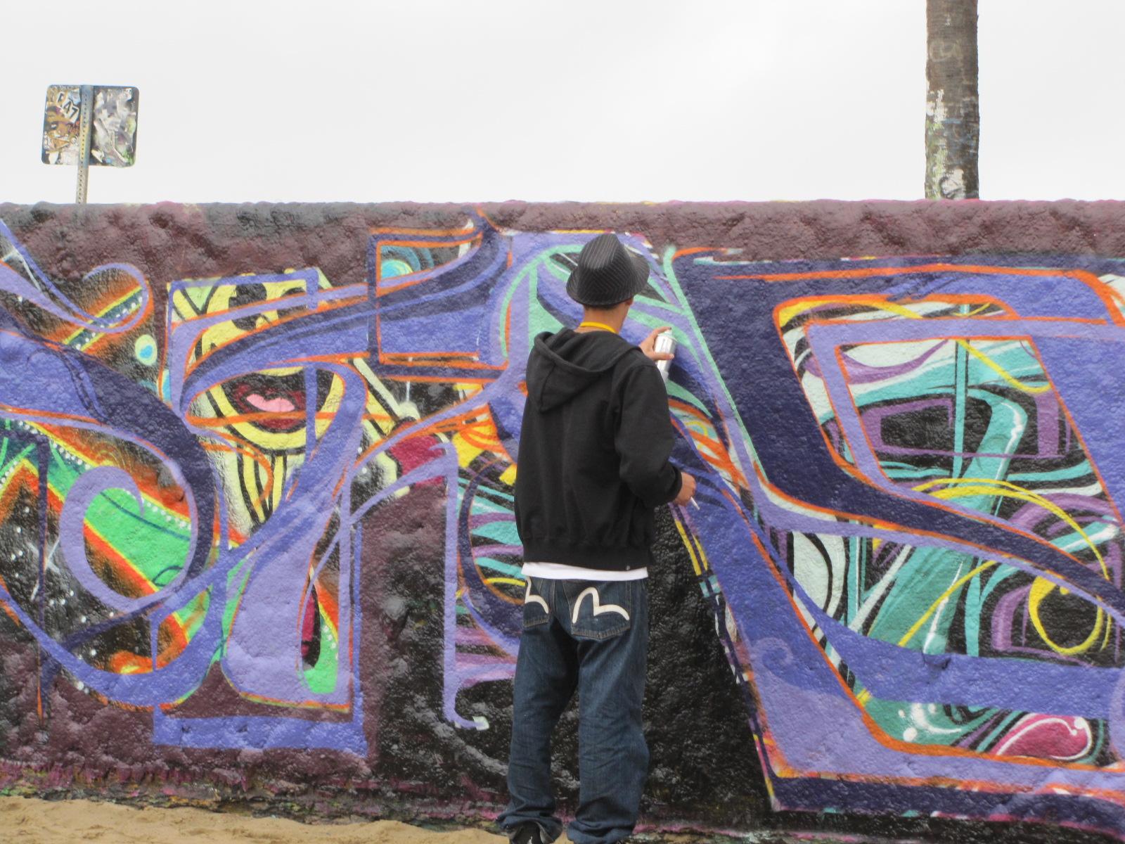 Taggeurs en action sur Venice Beach