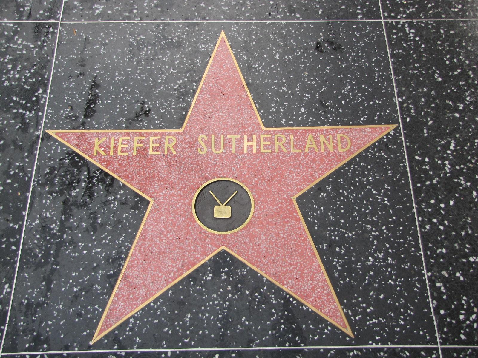 l'étoile de Kiefer Sutherland pour les fans