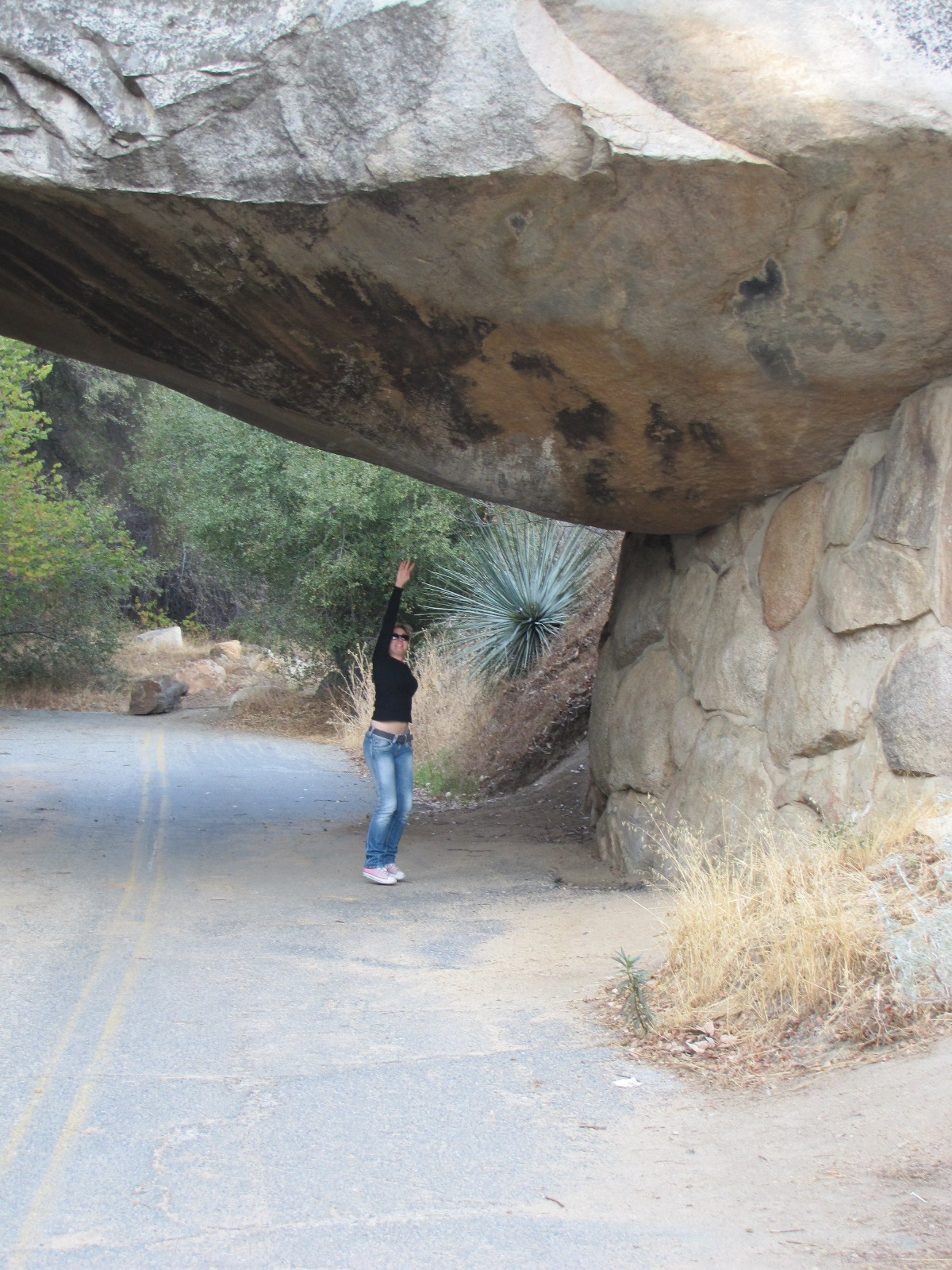 Anais sous le tunnel de Pierre